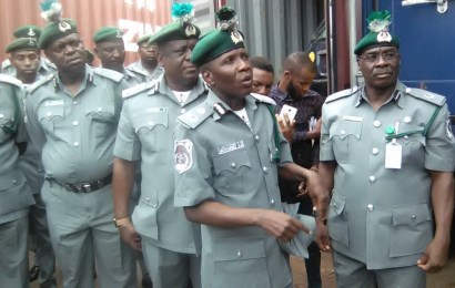 Customs FOU apprehends 10 suspects, records 152 seizures