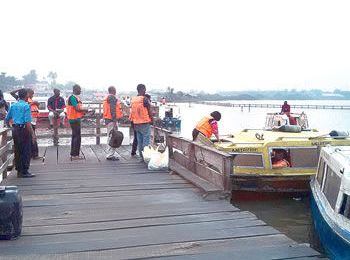 Comply with waterways laws within 7 days, Lagos tells boat operators, dredgers