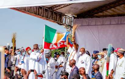 APC Flags-Off Governorship Campaign In Edo