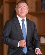 Hyundai Motor Heir Takes Over From Father