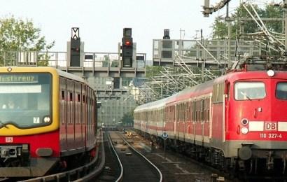 Railway Employs 25,000 New Staff