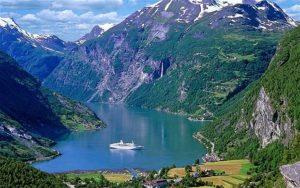 Μεταπτυχιακά στη Νορβηγία - NorwegianFjords-cr_2302918b