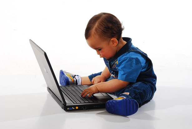 child on computer screen time