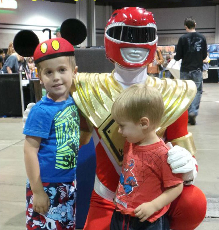 Tips for bringing kids to Comic Con red power ranger