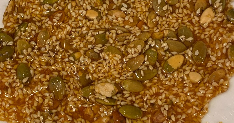 Sesame seed and Pepita crunch topping