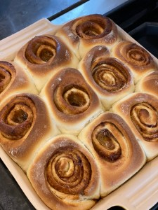 Cinnamon rolls right from the oven- quick cinnamon rolls- city foodie farm