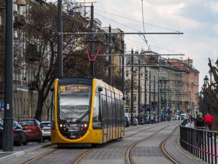 Pótlóbusz jár a 19-es és a 49-es villamos helyett Kelenföld vasútállomás és a Móricz Zsigmond körtér között június 25-én és 26-án este