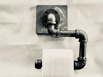 DIY Plumbers Pipe Toilet Paper Holder