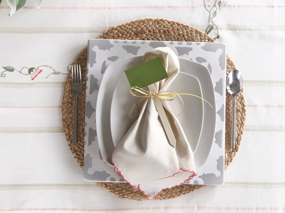 Spring Tablescape Ideas and Place Settings