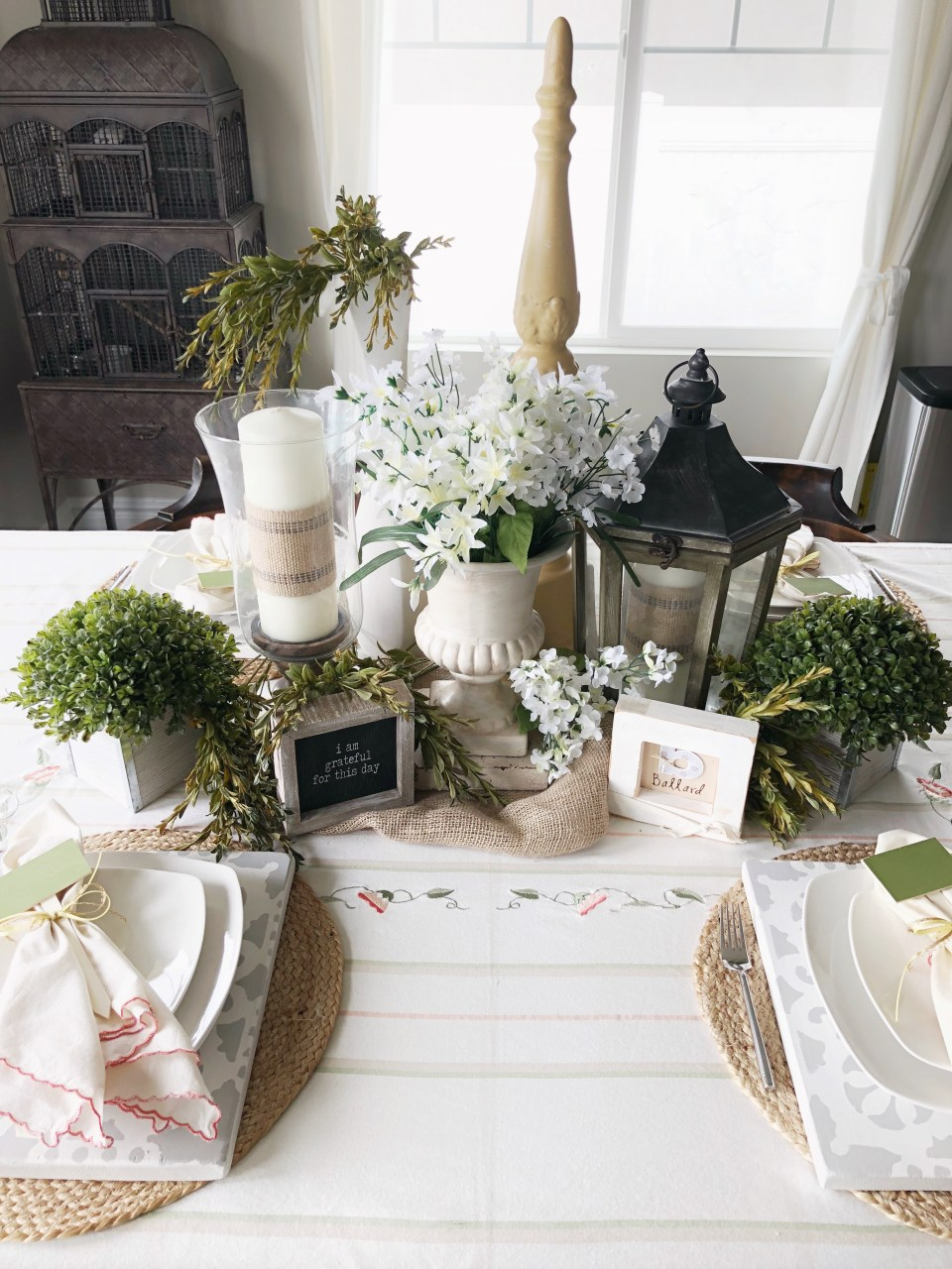 Spring Tablescape Ideas for Easter Season