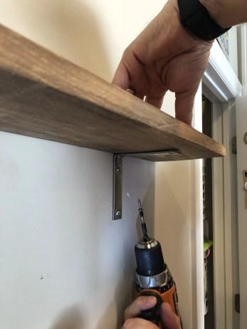 How to make a simple bracket shelf