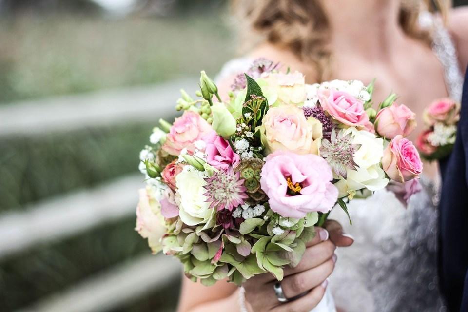 esküvői virágdekoráció menyasszonyi csokor