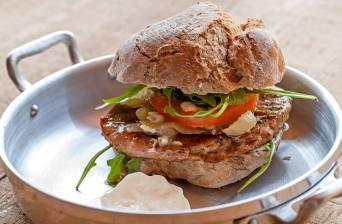 Eat delicious burgers at the Park Lisbon