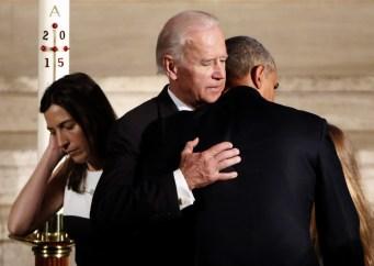 obama_beau_biden_funeral-0201b-4192