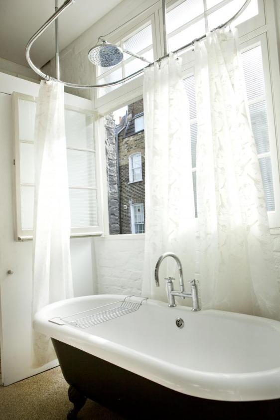 Stanovanje v Londonu s spalnico v zraku.