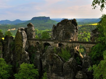 7. Most Bastei v gorovju Elbe iz peščenjaka - Nemčija