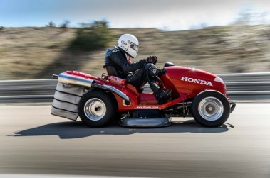 Honda-HF2620-Mean-Mower-lawnmower-land-speed-record-11