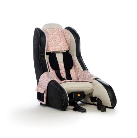 volvo-inflatable-child-seat-002-1