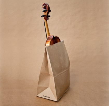 Utah - Prepoved nošnje violine v papirnati vrečki.