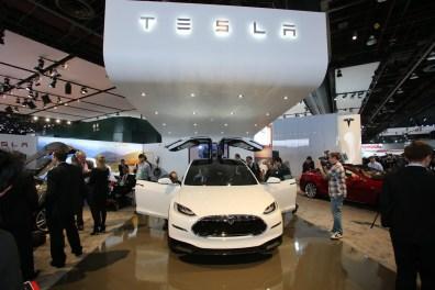 Tesla-Model-X-6[2]