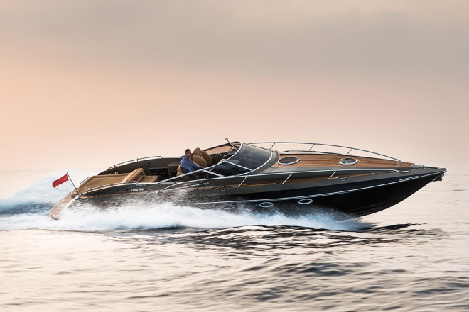 "Hunton velja za neke vrste  ""Aston Martin na vodi"""