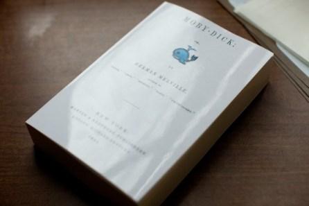 'Drugačna' zgodba o Moby Dicku na 736 straneh v Emoji pisavi