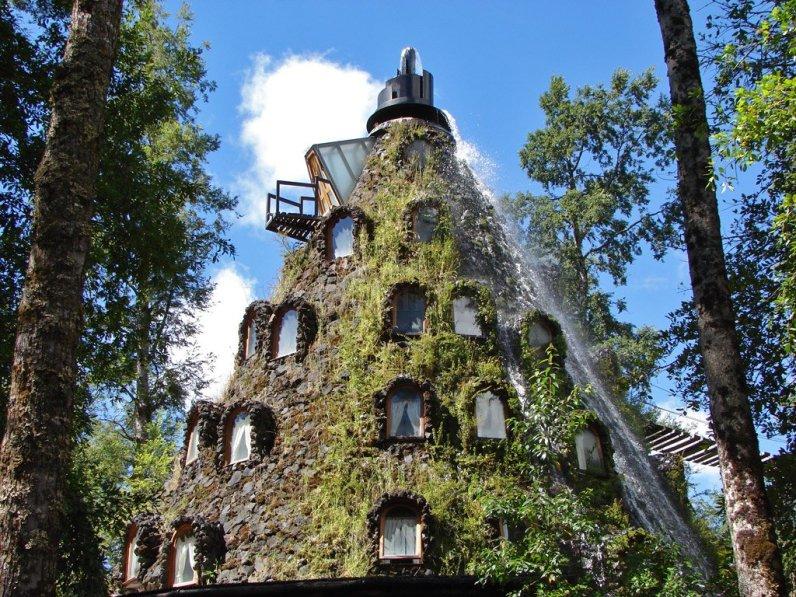 Hotel, ki spominja na čarobno goro - Hotel Magic Mountain, Čile