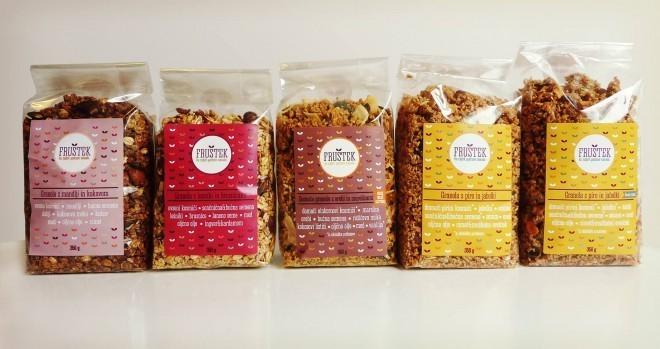 Lično zapakirane granole Fruštek so na voljo v petih različnih okusih (foto: Fruštek na Facebooku).