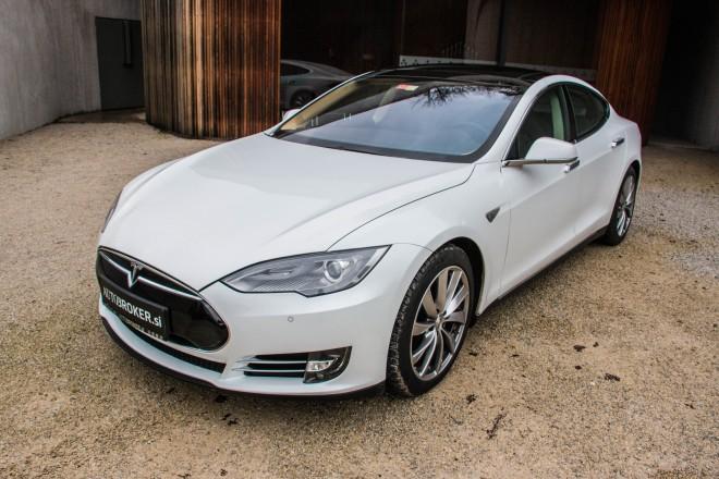 Ta trenutek je tudi zato Tesla S znak drugačne filozofije tistega, ki ga kupi.