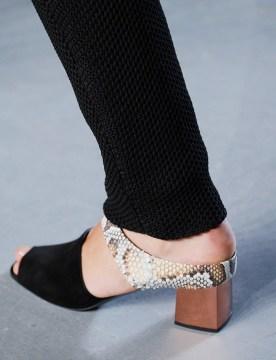 Sandali s kvadratasto peto Proenza Schouler.