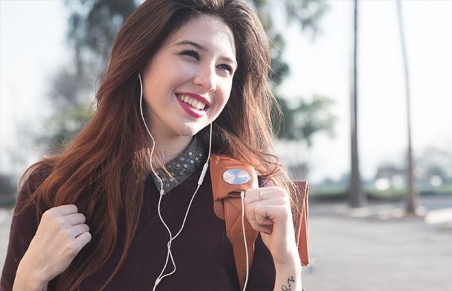 HiSmart torba bo pustila proste vaše roke in vam hkrati ponudila vse kar boste od pametnih naprav na poti potrebovali.