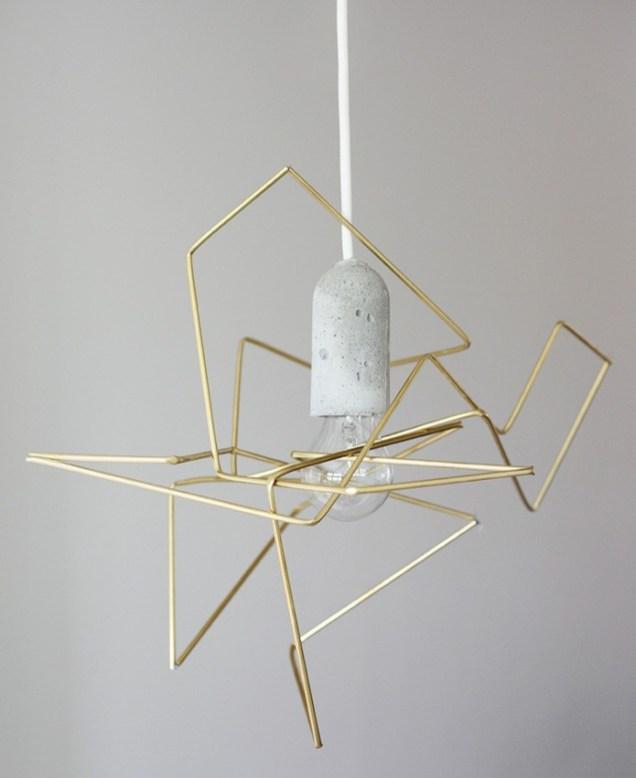 Iz žice lahko oblikujemo geometrijsko luč.
