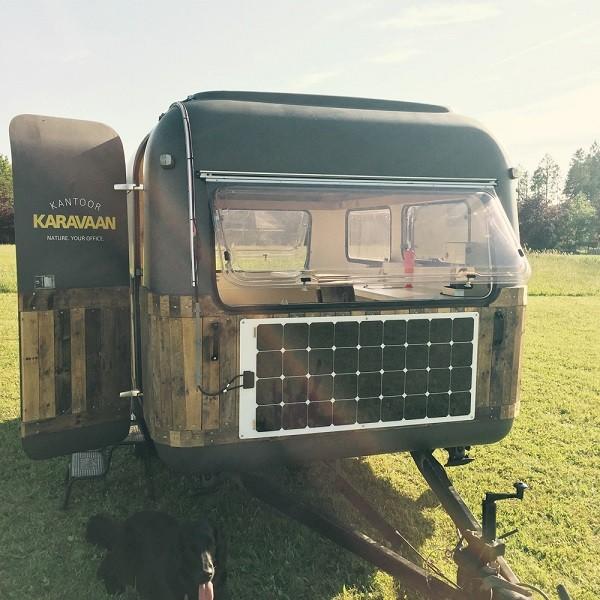 KantoorKaravaan - mobilna pisarna v osrčju narave