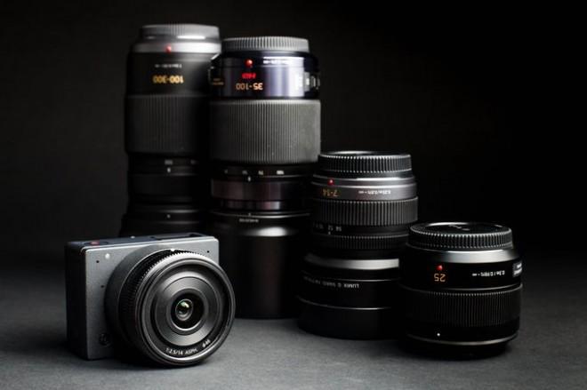 E1 ponuja precej več kot ostale video kamere podobne velikosti.