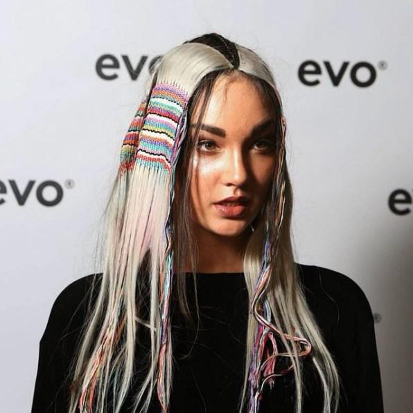Frizure 2015: nov trend je tapiserija v/na laseh
