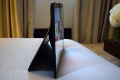 Samsung Galaxy View boste našli med tablicami, a bi se zlahka pomešala med televizorje.