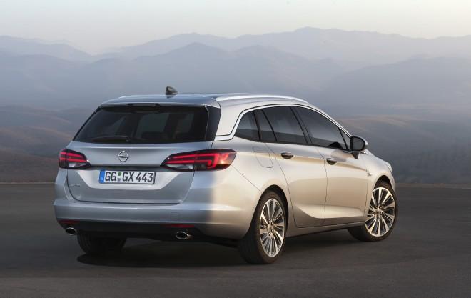 Nova Opel Astra Sports Tourer je pravi maltipraktik.