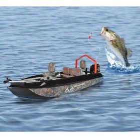 Mini čoln, ki sam lovi ribe.