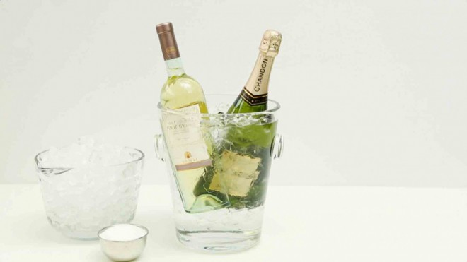 Znaš ekspresno hitro ohladiti šampanjec?