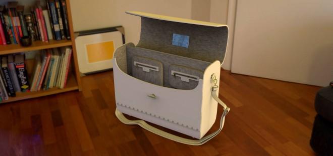 InSmart Bag ima morda retro videz, a je skozinskoz torba za sodobnega uporabnika.