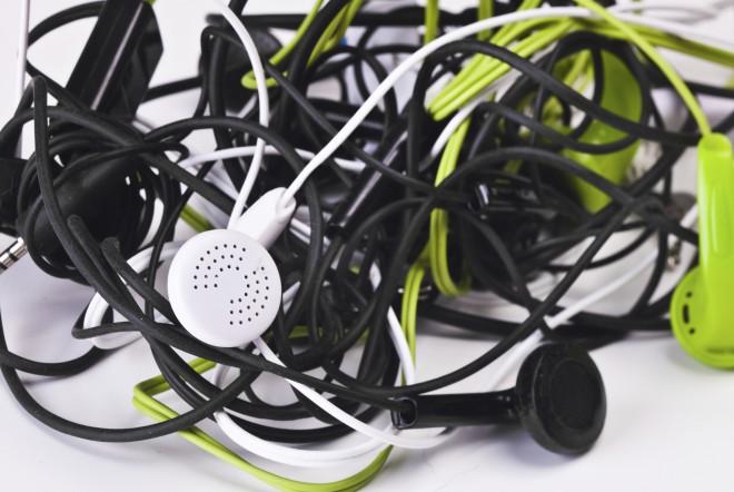 Zapletene slušalke so večna uganka.