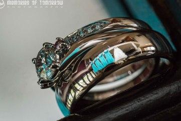 Poročni trenutki ujeti v prstane
