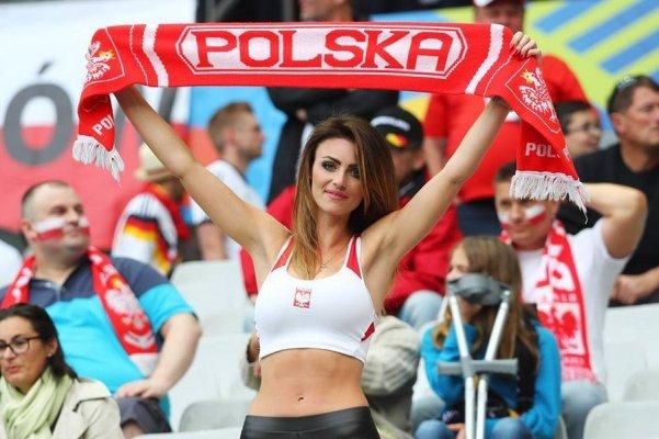 Navijačica Poljske