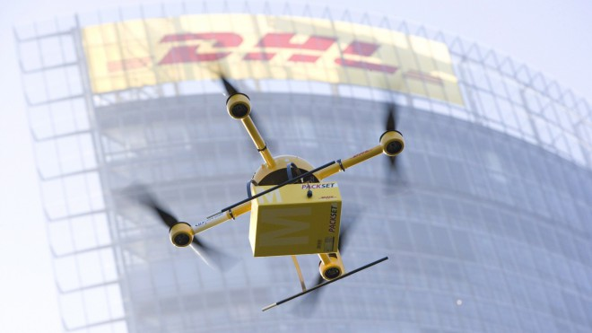 Amazon, DHL in druga podjetja se že veselo poslužujejo dronov za dostavo svojih pošiljk.