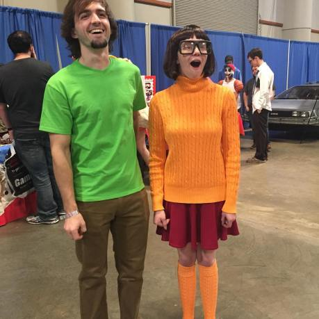 Velma in Shaggy