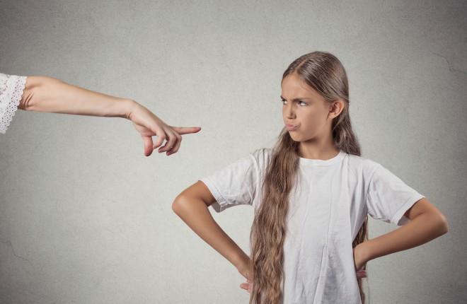 Pri današnjih otrocih stroga, avtoritarna vzgoja ne deluje dobro (Foto: Shutterstock)