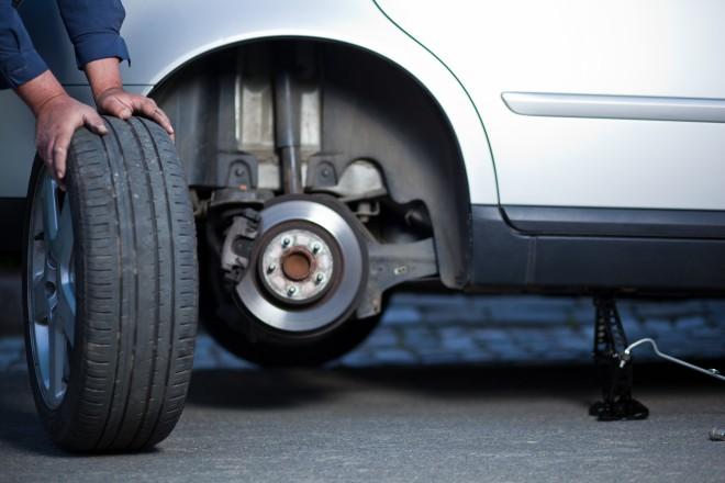 Letne gume bo treba zamenjati za zimske.