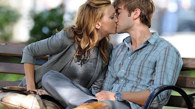 Poljub z zaprtimi usti