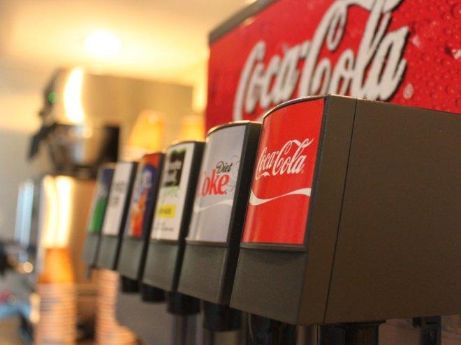 McDonald's je v postrežbo Coca-Cole vložil veliko truda. Nenazadnje jim prinaša velik del dobička.