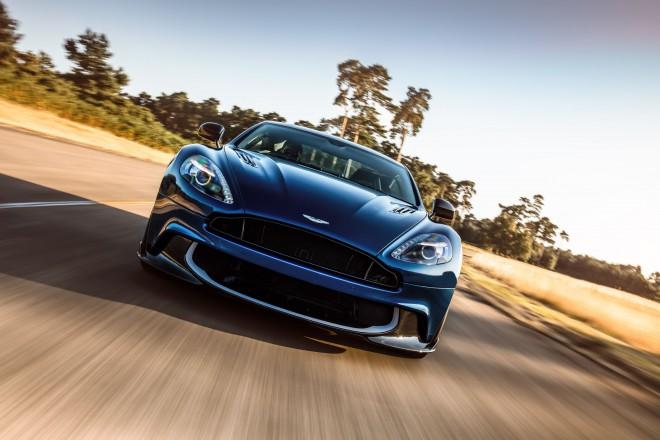 Aston Martin Vanquish je dobil oznako S, ki sicer ne pomeni Superman, a bi kaj lahko.
